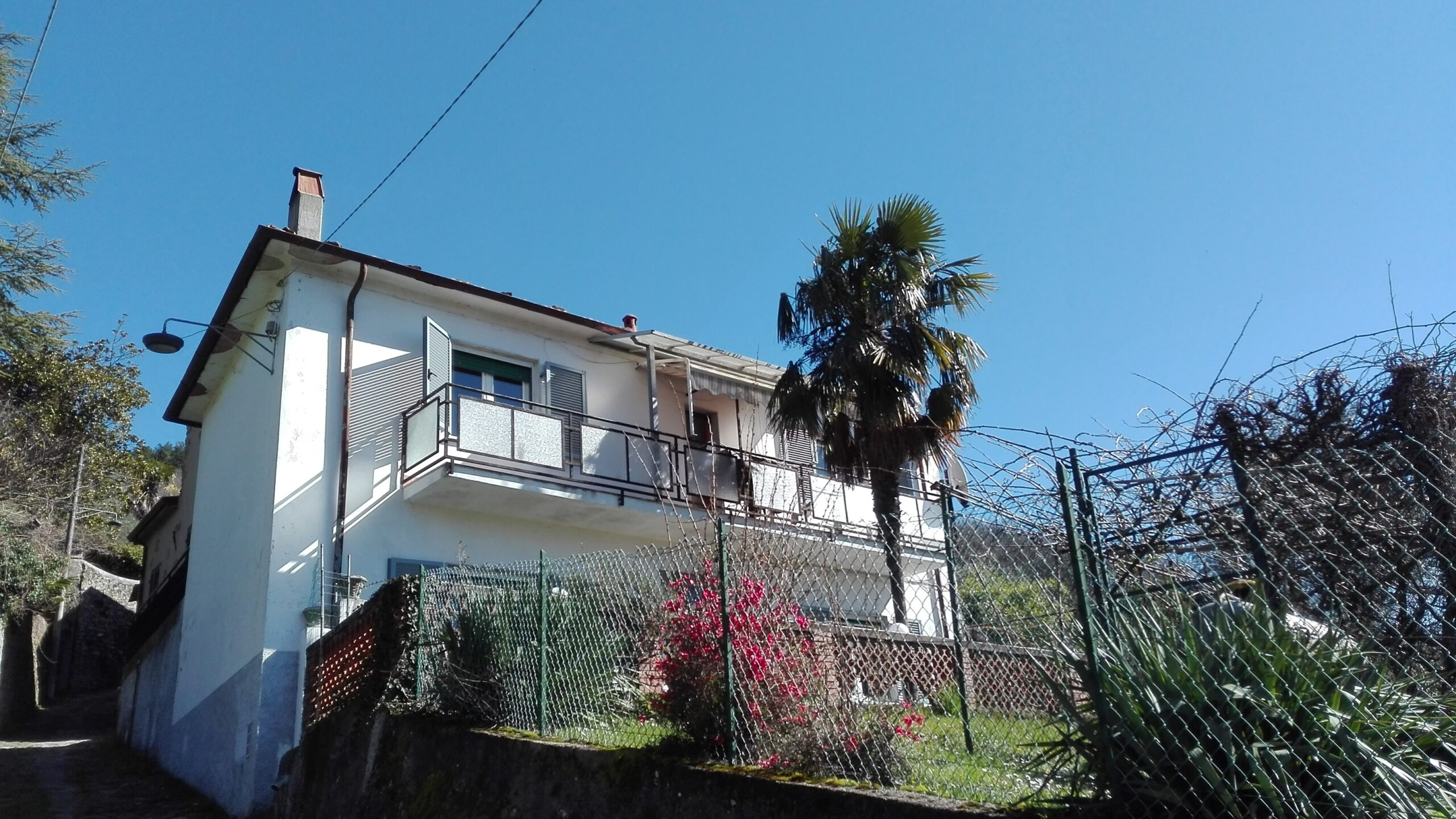 Detached house with garden, with views from DREAM !!!!!Fivizzano !!!! ref.2097