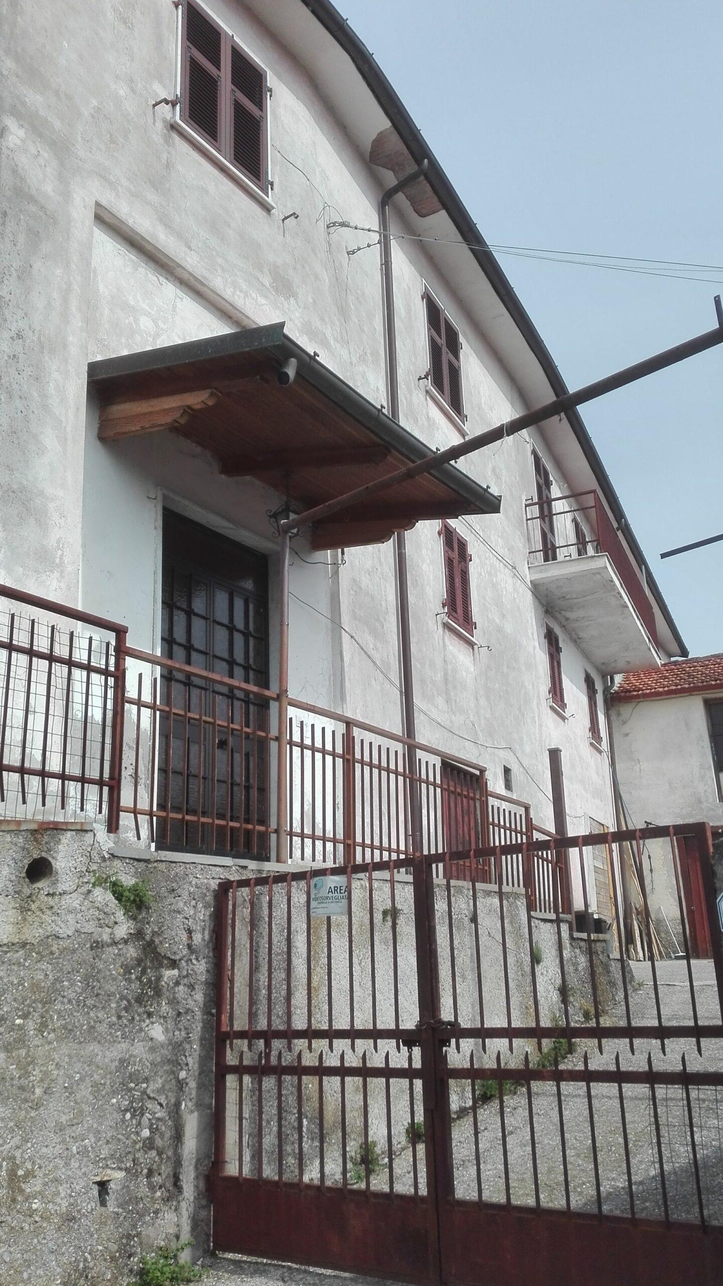 Casa colonica + casa antica + terreno,prezzo sceso del 40%,posizione da Sogno! ref. 2168