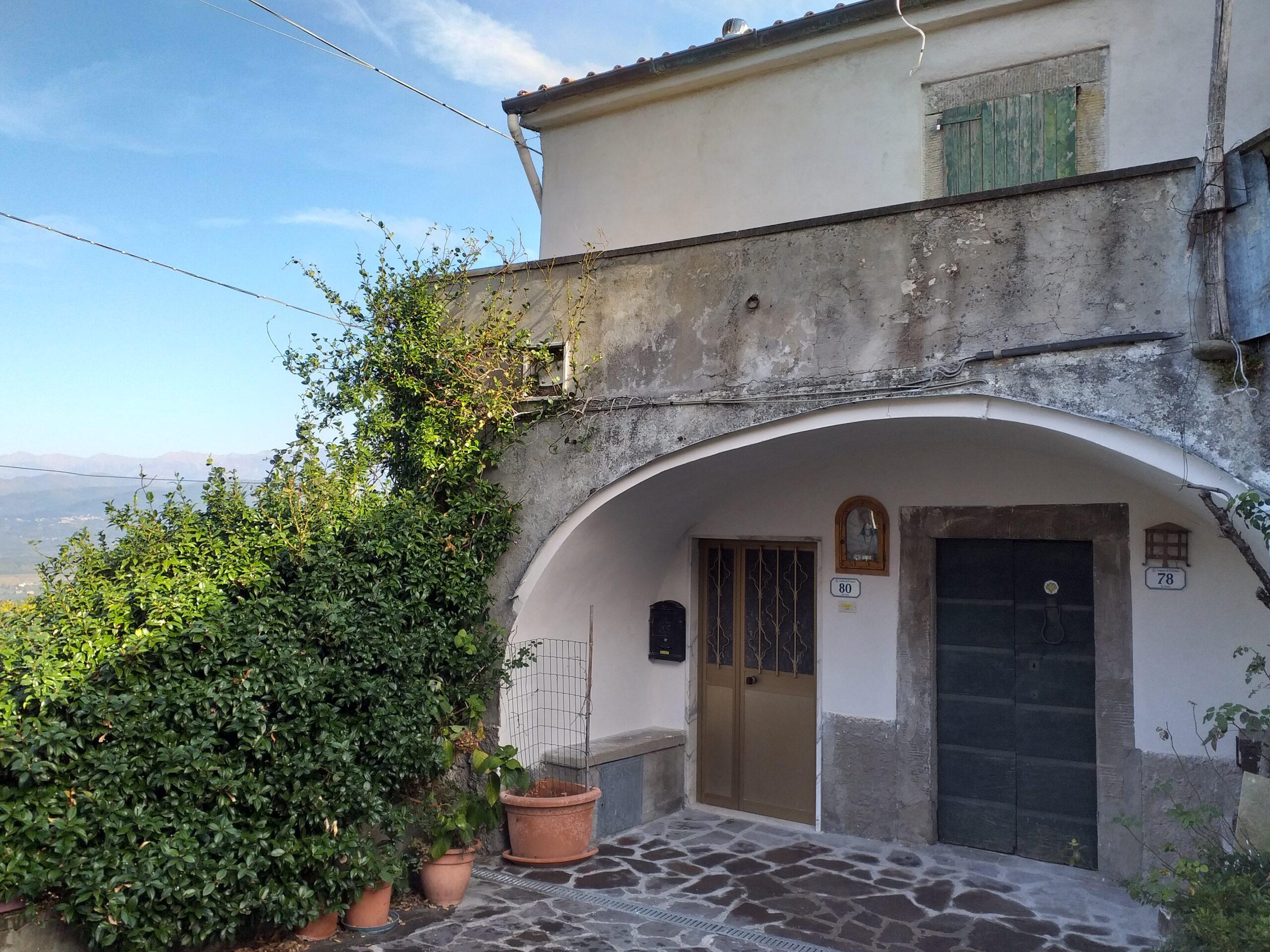 30 minuti dal mare – casa in pietra con giardino: Prezzo Fantastico  ref 2241