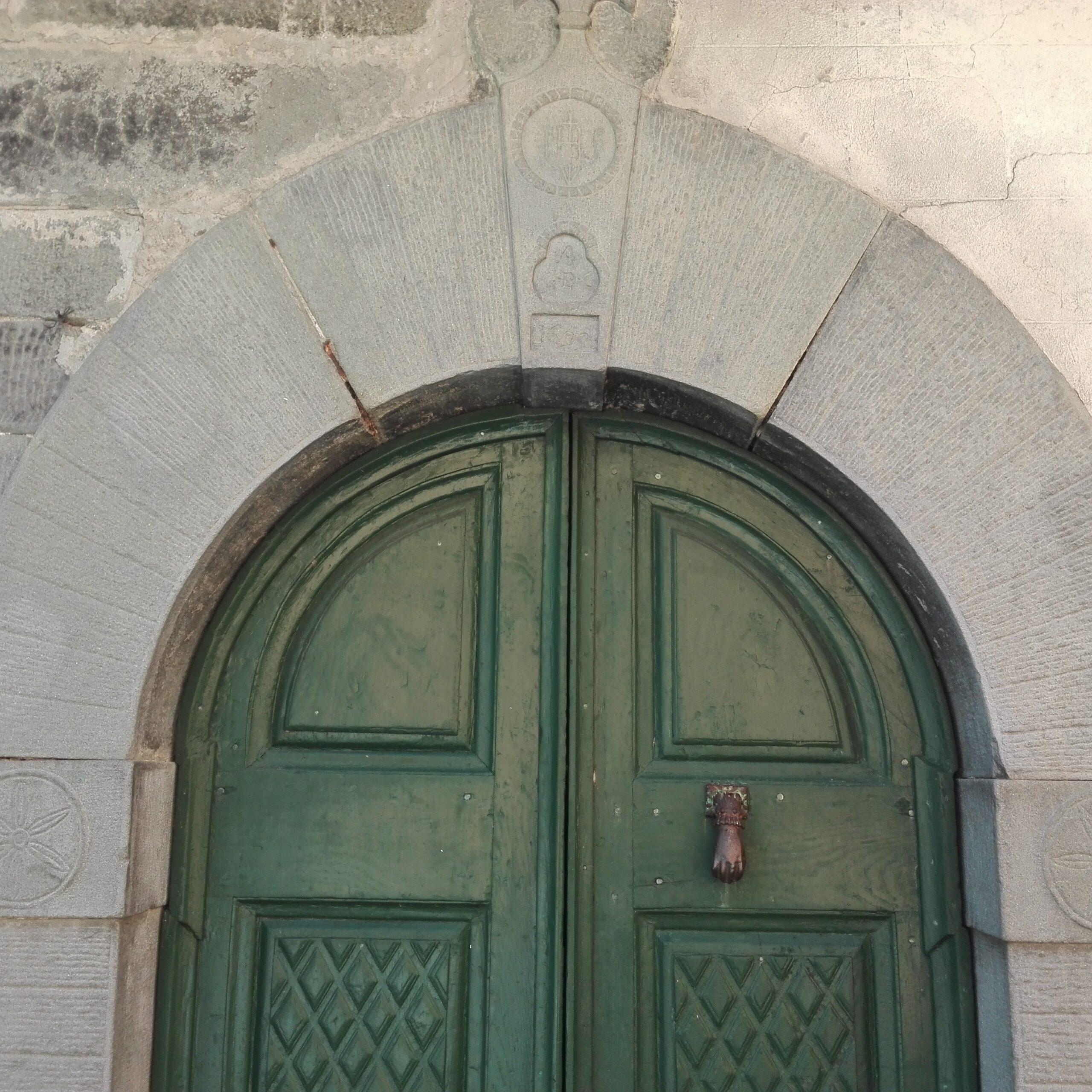 Ancient house with loggia (medieval history). 1143 . Fivizzano Lunigiana