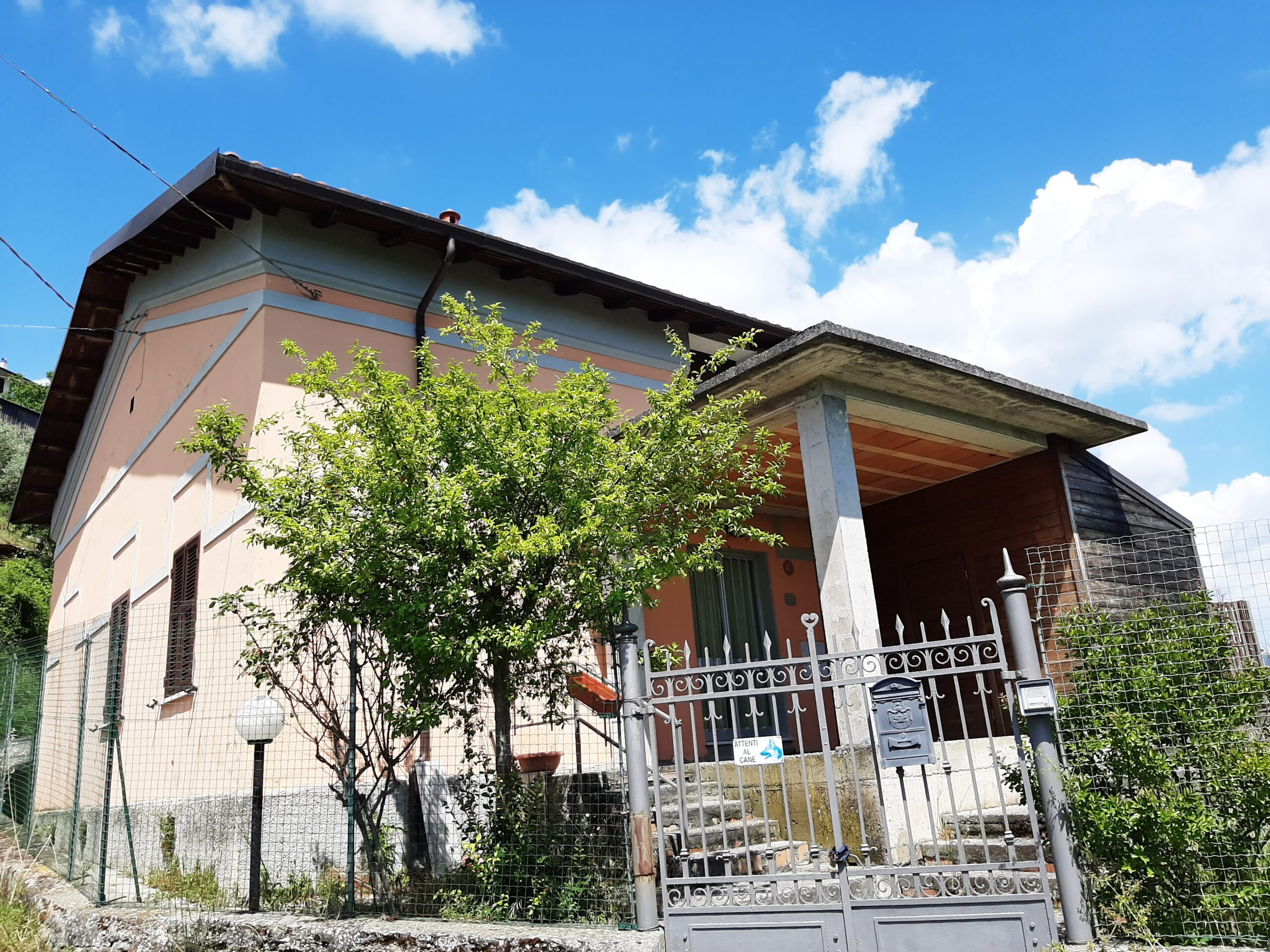 Independent house, fantastic location in Lunigiana ref. 2203
