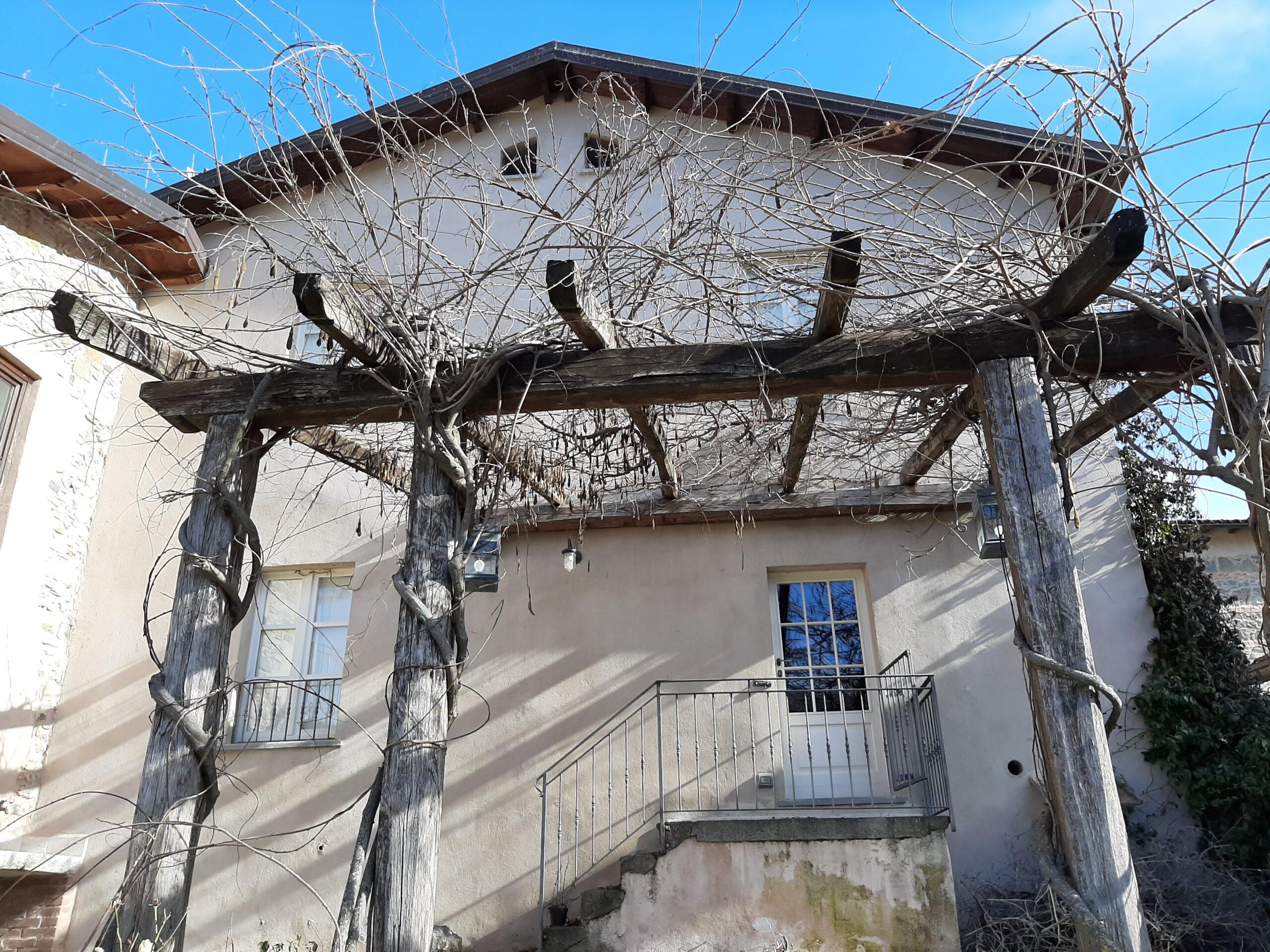 Splendid Ancient Renovated property, ideal for activities / b & B – Villa Rosa. Fivizzano Tuscany. ref. 2348