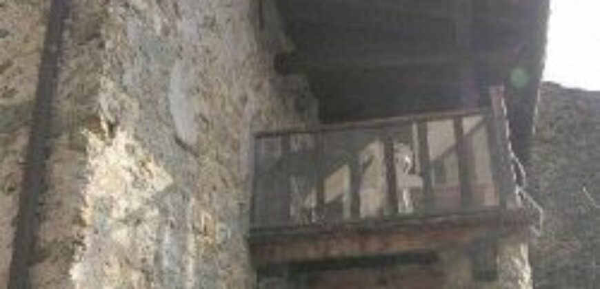 Antica Casa  ristrutturata in pietra. La storia e la vista in Lunigiana. 1541