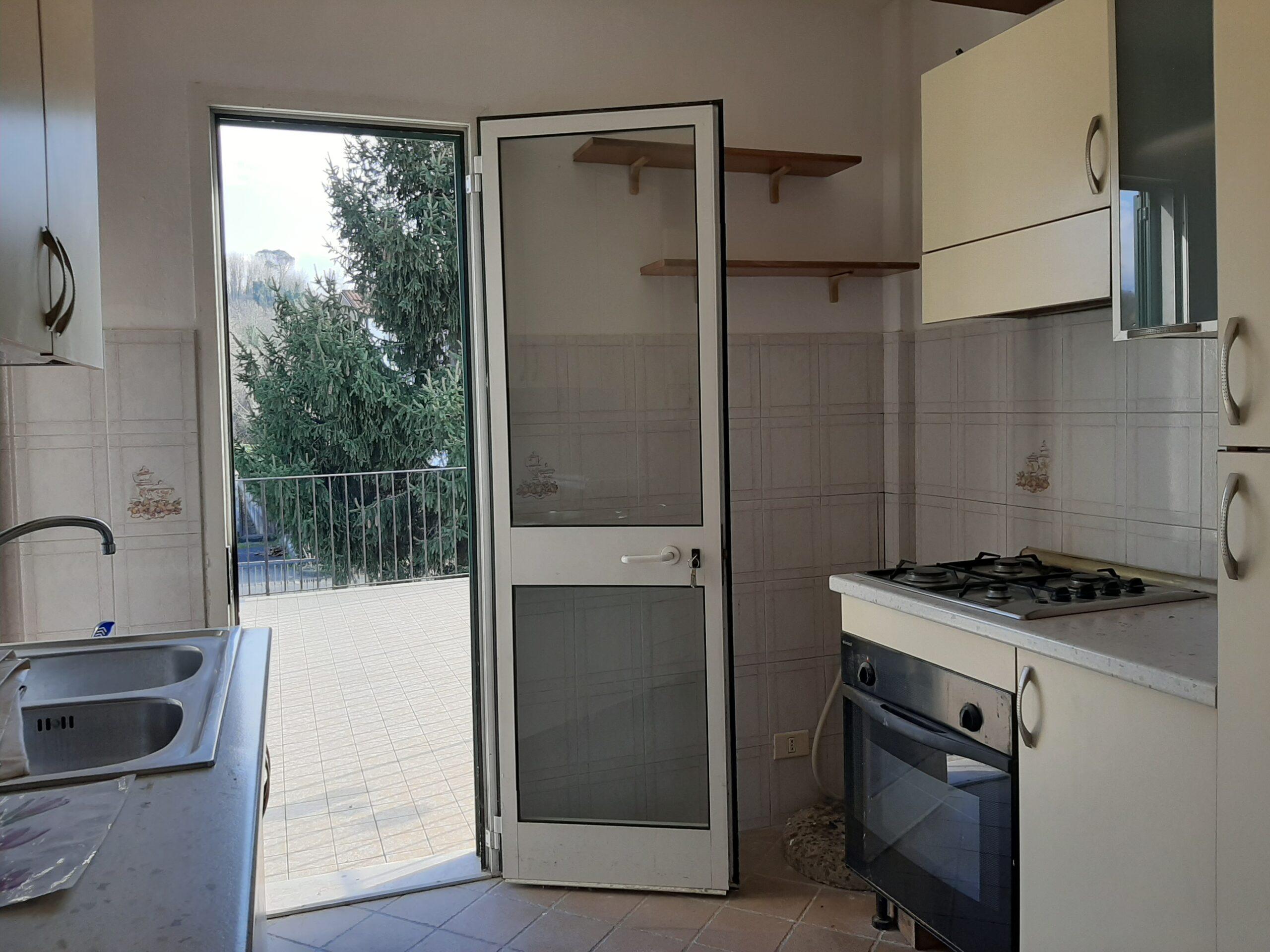 A pochi km. da Aulla, occasione per residenza : Casa con terrazza : 2389