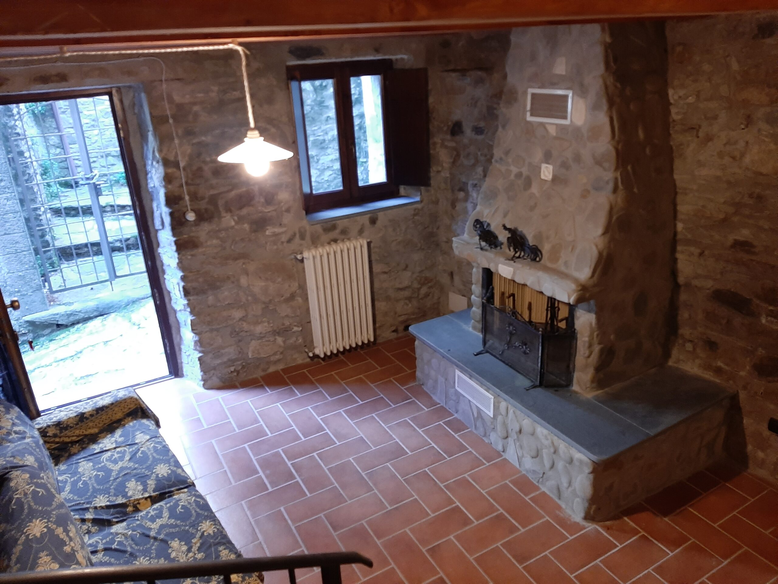 Renovated stone house with panoramic terrace. The view on the Apuan Alps. Lunigiana . ref. 2400