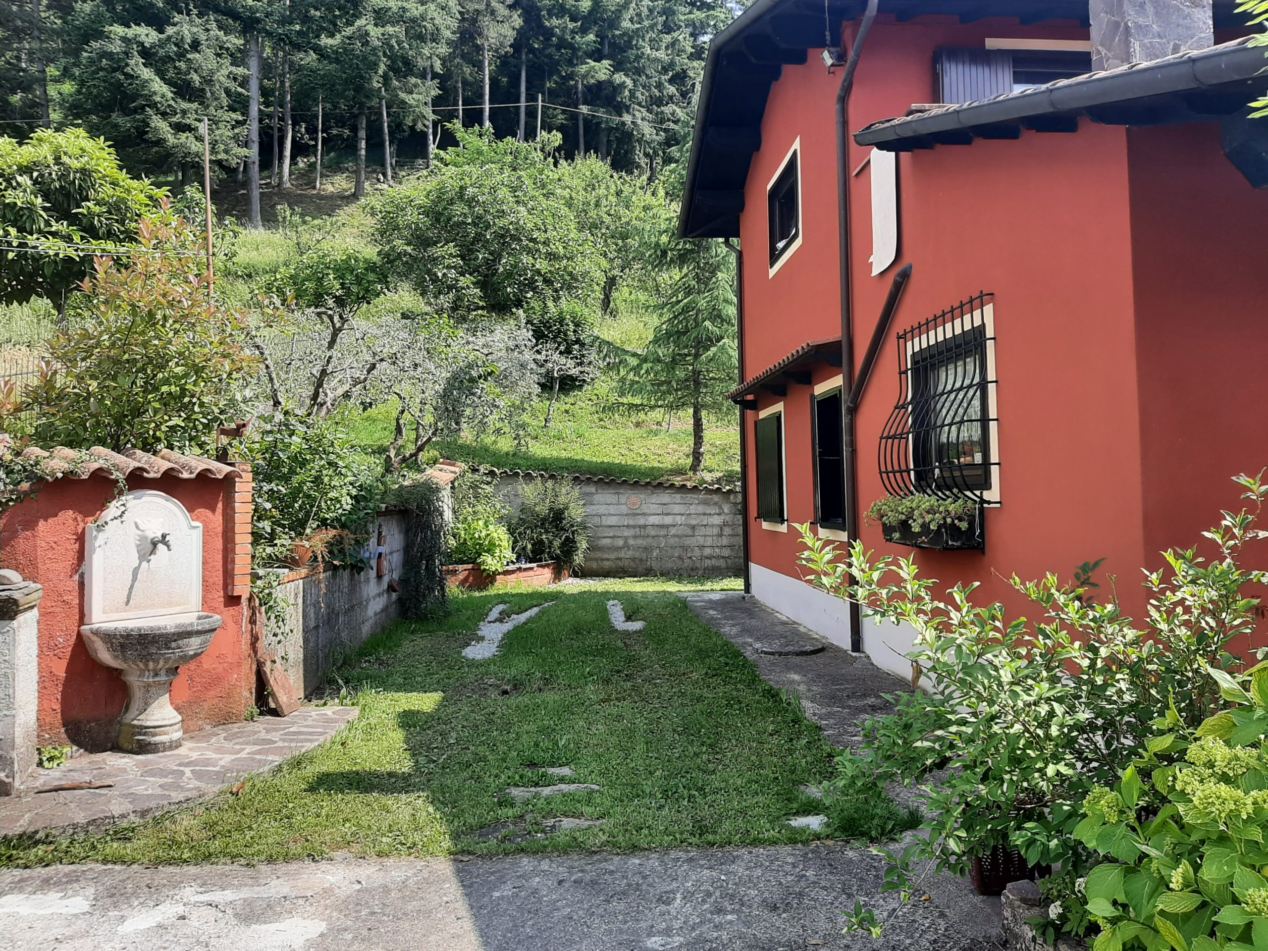 Independent Villa with Pool in Lunigiana, A dream in Tuscany … Possible ….ref. 2419