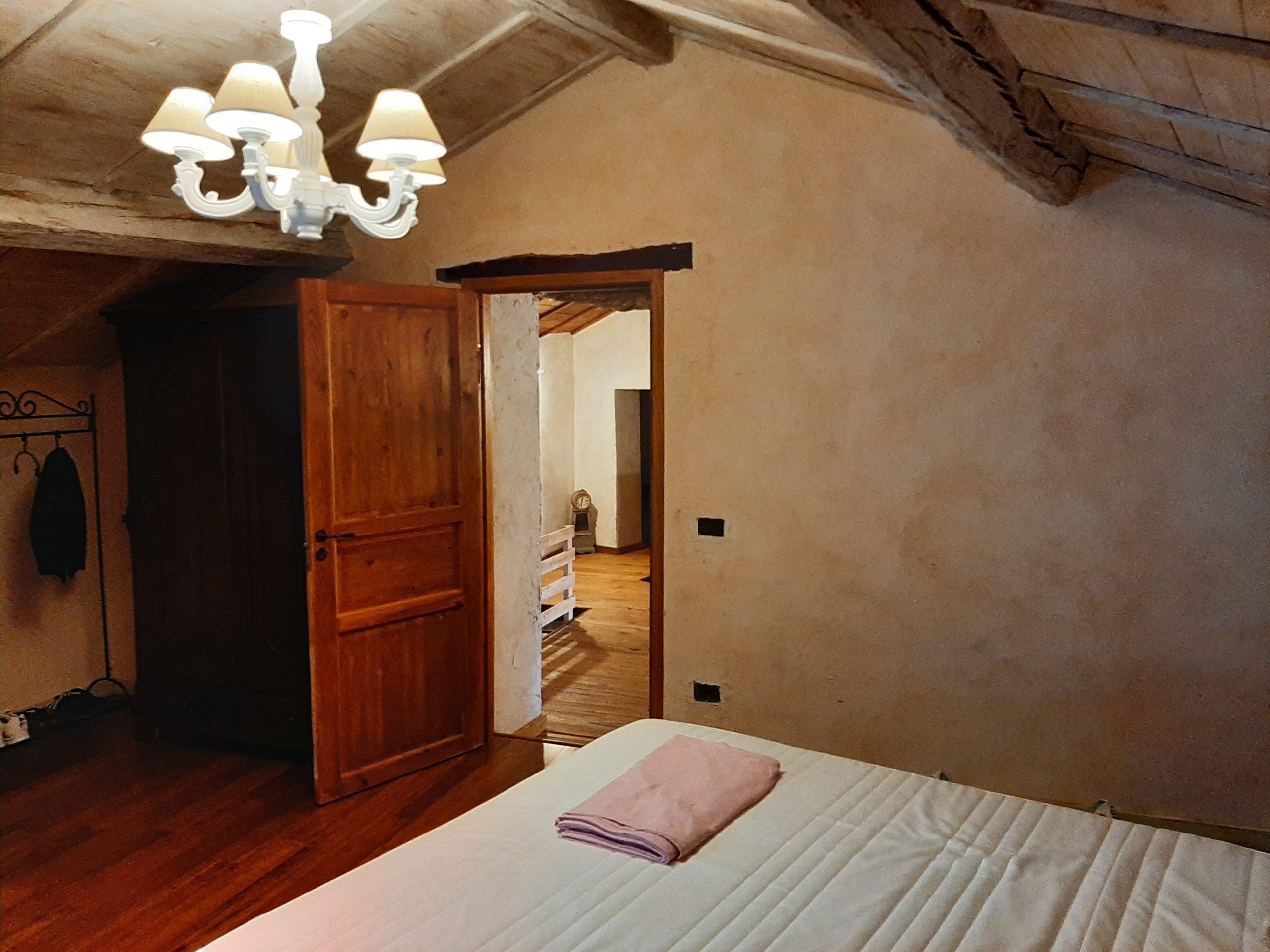 Antico Dimora ristrutturata con giardino in luogo dominante , Vista spettacolare in Toscana Lunigiana . ref. 1434