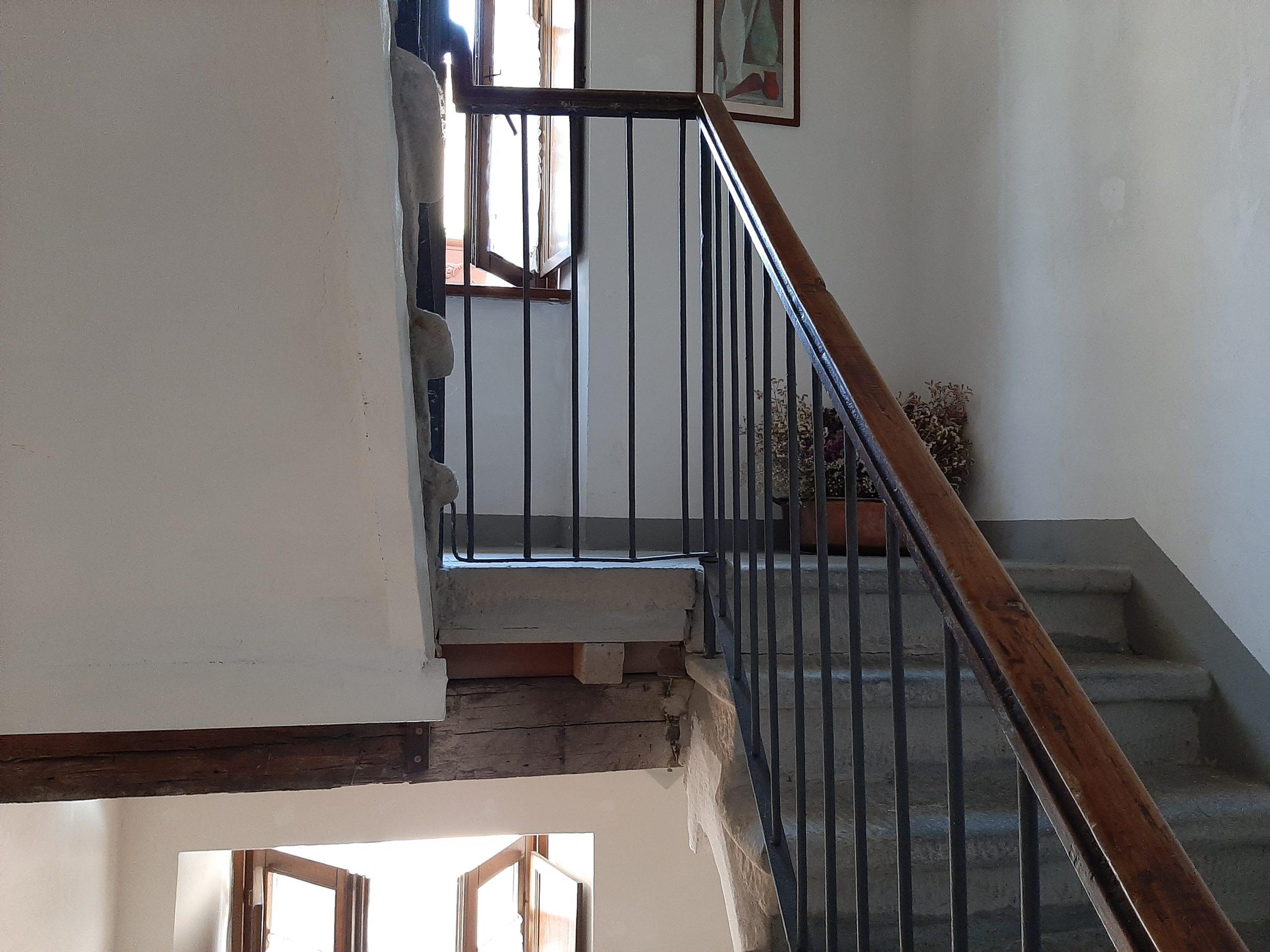 Fivizzano : Casa ristrutturata nel borgo , molto affascinante.  Ref . 2424